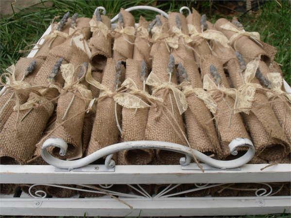 Εικόνα με Προσκλητήριο γάμου vintage με λεβάντα
