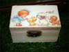 Ξύλινο κουτάκι βάπτισης με κοριτσάκι και ζωάκια