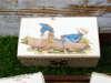 μπομπονιέρα βάπτισης με θέμα vintage πάνω σε ξύλινο κουτάκι
