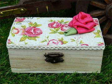 Εικόνα του Μπομπονιέρα βάπτισης ξύλινο κουτάκι