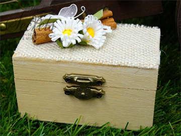 Εικόνα του Μπομπονιέρα βάπτισης κουτάκι λινάτσα