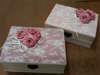 Εικόνα με Vintage κουτί μαρτυρικών με λουλούδια