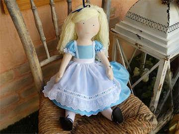 Εικόνα του Χειροποίητη κούκλα Αλίκη
