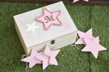 Εικόνα του Κουτί για ευχές με αστεράκια ροζ