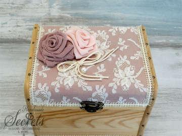 Εικόνα του Ξύλινο κουτί μαρτυρικών δαντέλα λουλούδια