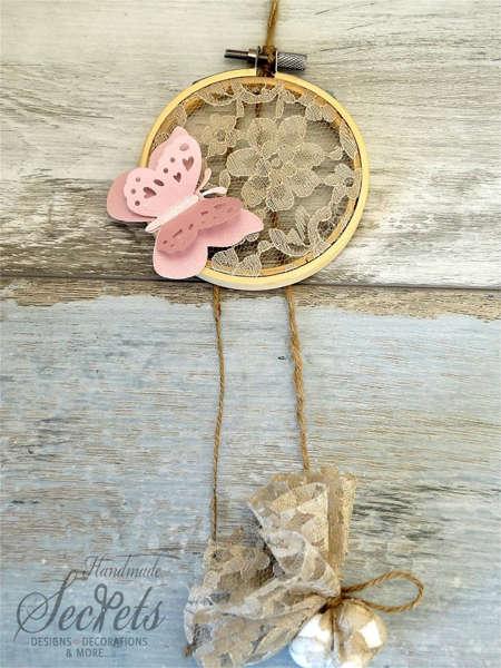 Εικόνα με Μπομπονιέρα τελαράκι ροζ πεταλούδα