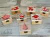 Εικόνα με Χριστουγεννιάτικα ξύλινα κουτάκια