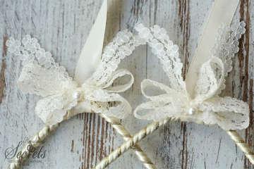 Εικόνα του Στέφανα γάμου vintage με λουλούδια
