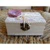 Εικόνα με Κουτί για βέρες λουλούδι πέρλα