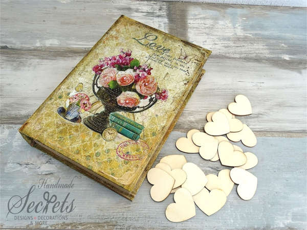 Εικόνα με Ξύλινο κουτί ευχών λουλούδια
