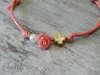 Εικόνα με Μαρτυρικό βραχιόλι τριαντάφυλλο κορίτσι