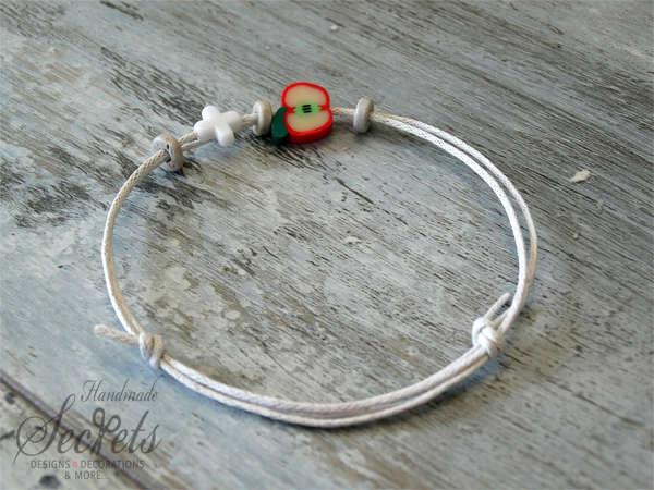 Εικόνα με Μαρτυρικό βραχιόλι μήλο κορίτσι
