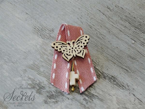 Εικόνα με Μαρτυρικό πέτου με πεταλούδα