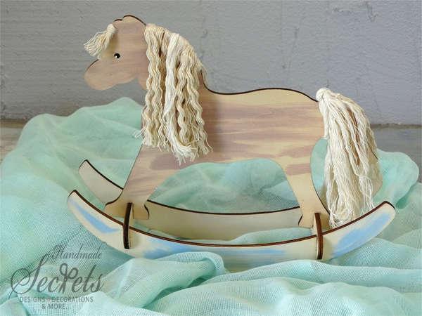Εικόνα με Διακοσμητικό βάπτισης ξύλινο άλογο