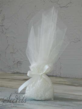 Εικόνα του Μπομπονιέρα γάμου πουγκί με δαντέλα
