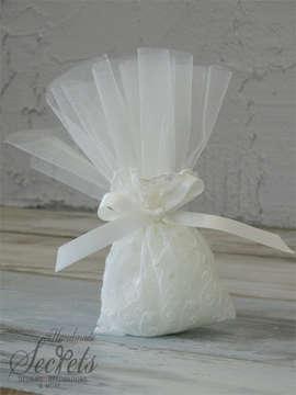 Εικόνα του Μπομπονιέρα γάμου πουγκί δαντέλα