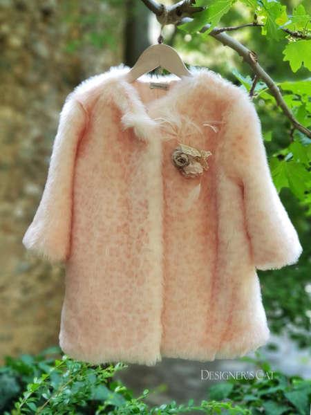 Εικόνα με ORNELA IVORY παλτό