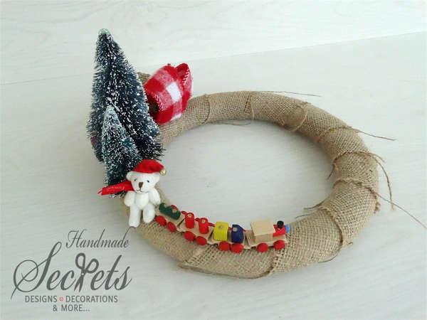 Εικόνα με Χριστουγεννιάτικο διακοσμητικό στεφάνι