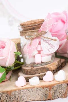 Εικόνα του Μπομπονιέρα βαζάκι με καρδούλες ροζ & άσπρες