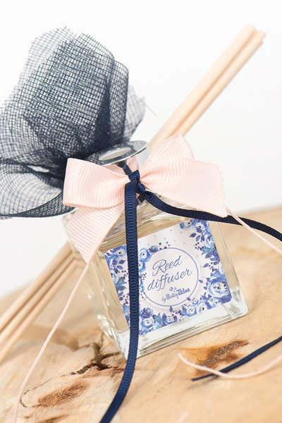 Εικόνα με Μπομπονιέρα αρωματικό μπλε λουλούδια