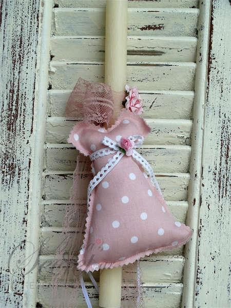 Εικόνα με Πασχαλινή λαμπάδα φόρεμα