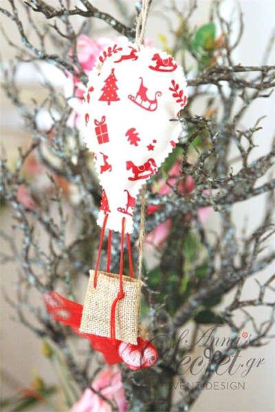 Μπομπονιέρες Χριστουγεννιάτικες χειροποίητες για γάμο ή βάπτιση, κρεμαστά στολιδια αερόστατα.
