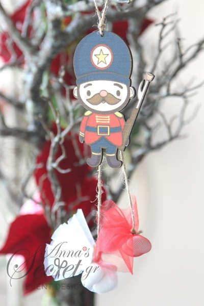 Μπομπονιέρα χειροποίητο κρεμαστό Χριστουγεννιάτικο στολίδι Καρυοθραύστης.