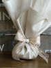 Εικόνα με Μπομπονιέρα γάμου μετάξι και δαντέλα