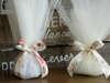 Εικόνα με Μπομπονιέρα γάμου οργάντζα και φλοραλ