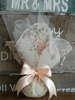 Εικόνα με Μπομπονιέρα γάμου φλοραλ