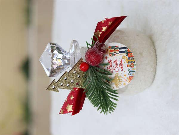 Εικόνα με Χριστουγεννιάτικο διακοσμητικό με άλατα