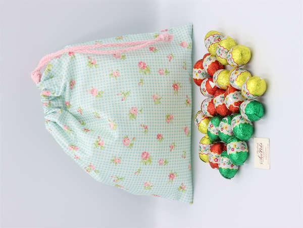 Εικόνα με Αυγουλάκια σοκολατένια σε πουγκί floral