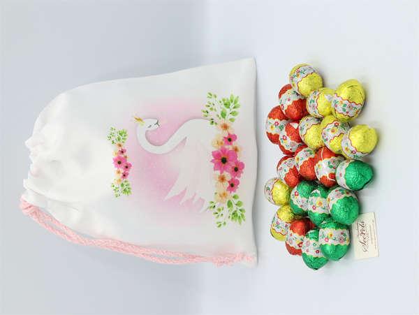 Εικόνα με Αυγουλάκια σοκολατένια σε πουγκί κύκνος
